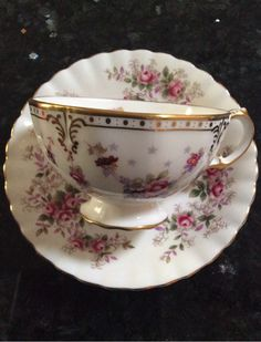 Royal Crown Derby - English Bone China