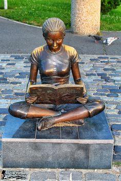 Orășelul Copiilor - Bucureşti Buddha, Statue, Art, Art Background, Kunst, Performing Arts, Sculptures, Sculpture