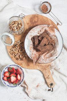 ... healthy raw chocolate brownie (sugar/gluten/dairy free/vegan) ...
