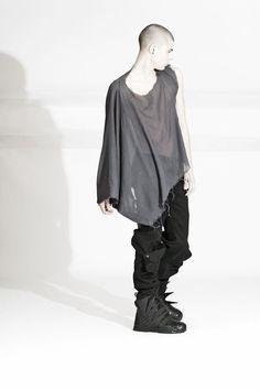 Asher Levine Post-apocalypse clothing / fashion / post-apocalyptic wear / male / dystopian / menswear / men's / style / looks Urban Fashion Girls, Urban Fashion Trends, Teen Fashion, Fashion Fall, Fashion Menswear, Fashion 101, Fashion Outfits, Fashion Catwalk, Dark Fashion
