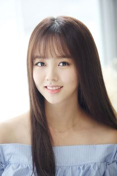 Amazing Wispy Bangs for Girls + Women& [Latest (With images) Korean Beauty, Asian Beauty, See Through Bangs, Korean Bangs, Kim So Hyun Fashion, Kim Sohyun, Wispy Bangs, Corte Y Color, Korean Actresses