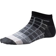 Bring the magic of no-stink, breathable Merino to everyday style with this micro height sock. A built-in arch support boosts stability and fit.Supportive arch brace.