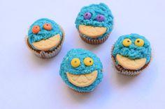 blue banana cupcakes for children