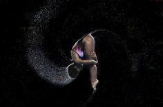 Découvrez notre sélection de photographies de sport de l'#AFP sur http://www.crystalgalerie.com/6-sport  Jennifer Abel Jeux du Commonwealth