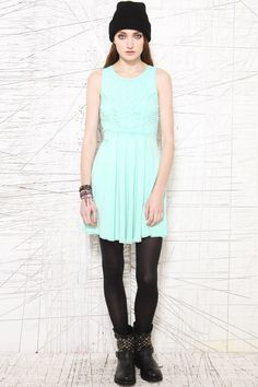 """Free People """"Serious Sassy Soutache"""" Kleid bei Urban Outfitters"""