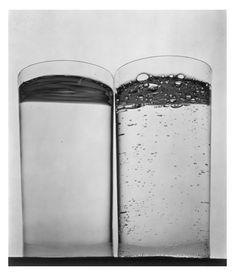 Irving Penn - Two Glasses of Water (B), New York, gelatin-silver print Love this picture Irving Penn, Object Photography, History Of Photography, Still Life Photography, Water Photography, Celebrity Photographers, Famous Photographers, Poesia Visual, New York Photos