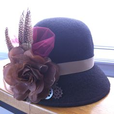 The only thing that could make this hat more fabulous would be to make it with lace flowers!