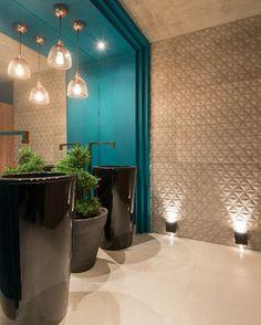 casacormsNa lembrança de hoje, destaque para o Banho Público da arquiteta Paula Magalhães. #casacorms #ccms2016