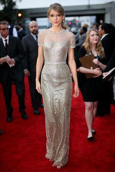 Taylor Swift en un look de Gucci prémiere, en la 56 entrega de los premios Grammy el 26 de enero del 2014, en Los Ángeles California.