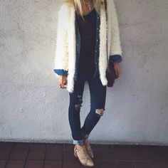 Cute fuzzy jacket with chambray and torn skinny jeans. Lovely. Also love them boots. ❤️ #lfmanhattanbeach