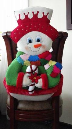 Best 12 Molde papai noel para imprimir - Criativo Ok Christmas Chair, Felt Christmas Decorations, Christmas Tablescapes, Christmas Wood, Christmas Projects, Vintage Christmas, Christmas Stockings, Christmas Ornaments, Holiday Decor