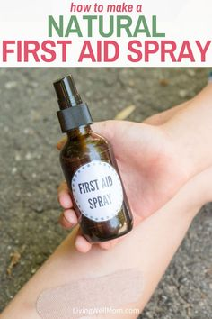 This DIY natural first aid spray for your whole family is simple to make and uses natural ingredients to heal minor cuts, scrapes, and scratches. Essential Oils For Pain, Natural Essential Oils, Young Living Essential Oils, Natural Oils, Natural Products, Pain Relief Spray, Natural Pain Relief, Essential Oil Deodorant, First Aid Tips