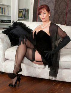 Emely in ff stockings