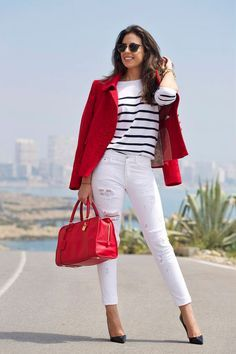 Red blazer outfit - Really like spring outfits women over 40 Red Blazer Outfit, White Jeans Outfit, Look Blazer, Casual Blazer, Blazer Fashion, White Pants, Cute Blazer Outfits, Red Jeans, Blazer Dress