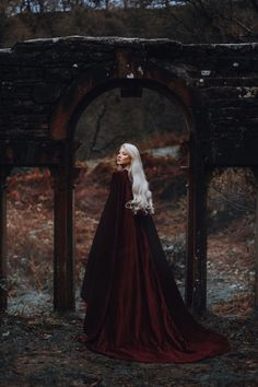 Trendy Ideas for photography fantasy fairy tales Royal Wedding Themes, Royal Wedding Gowns, Royal Weddings, Maria Amanda, Bild Girls, Images Esthétiques, Elfa, Witch Aesthetic, Aesthetic Black
