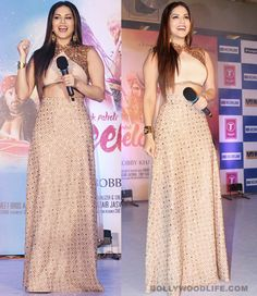 Sunny Leone makes a stunning Leela in her sequinned cream lehenga! #SunnyLeone