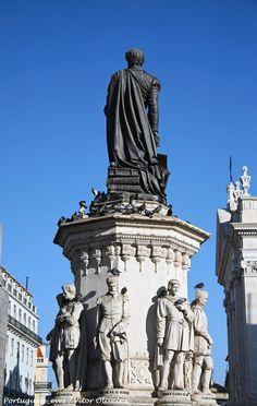 Monumento a Luís Vaz de Camões - Lisboa - Portugal