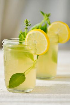 Ginger Lemonade with lemon basil. Could just buy lemonade and add fresh ginger and lemon basil Gin Basil, Lemon Basil, Yummy Drinks, Healthy Drinks, Healthy Food, Healthy Eating, Thai Recipes, Healthy Recipes, Water Recipes