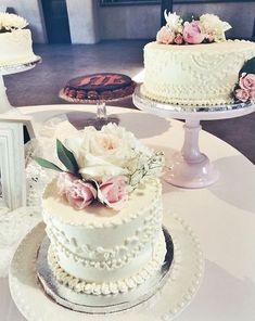 Traditional Wedding Cakes | 2tarts Bakery