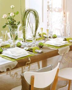 Cool Green Christmas Table Decoration With Small Green Ornaments And Candle Light
