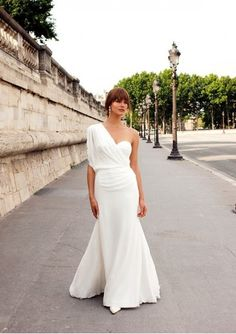 Chiffon Sweetheart Neckline Overlay with One-Shoulder Strap and Bat Sleeve Trumpet Gown with Soft Ruching Accents Hot Sell Wedding Dress WD-1369