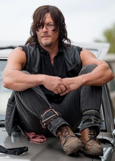 Daryl Dixon, the walking dead | follow @sophieeleana