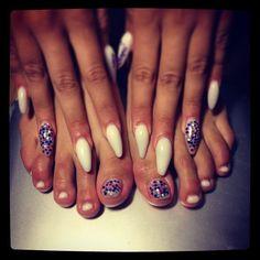 visnjanokti's photo: nails #stilleto #nailart art #ramona