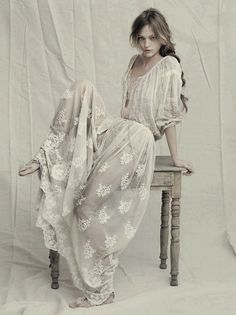 What a stunning Boho wedding dress! Spring/Summer 2011 Alberta Ferretti jaglady