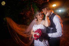 #jacianelucas2015 #sitioparaiso #noivos #novios #bride #groom #buque #weddingphotography #weddingbrazil #weddingday #weddingdress #sony #a7ii #sonyimages #brprofessionalphotographers #dream_justmarried