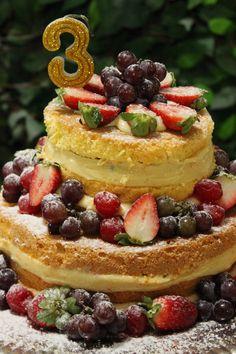 Festa fadas da Disney - Aniversário Thalita Tinkerbell Party, Cheesecake, Desserts, Food, Kids Part, Tailgate Desserts, Deserts, Cheese Pies, Cheesecakes