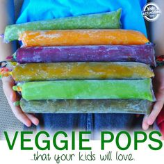 Healthy – Veggie Popsicles Ready for a healthy summer? Check out these veggie pops. Veggies and *no added sugar* = summer goodness. A nutritious snack for kids or a healthy way to cool off for grownups. And they are SO easy to make at home. Baby Food Recipes, Snack Recipes, Healthy Recipes, Vegetable Recipes For Kids, Toddler Meals, Kids Meals, Toddler Food, Snacks Saludables, Frozen Treats