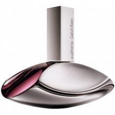 Calvin Klein Euphoria Eau de Parfum Spray 50 ml  Calvin Klein lanceerde in 2005 het parfum Euphoria een oriëntaals bloemig parfum. Euphoria is geïnspireerd op de vrouw die los wilt breken uit sleur van het dagelijks leven. Op zoek naar een spannende wereld vol plezier verrassingen en verleidingen. Het parfum is een contrast tussen exotische vruchten en verleidelijke bloemen. De topnoot granaatappel vloeit over in het hart van lotus en orchidee. Deze compositie geeft de geur een rijk romig en…