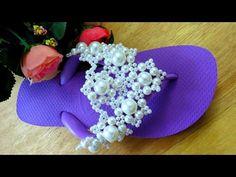 HAVAIANAS LUXO PARA NOIVAS !!! - YouTube Flip Flop Art, Flip Flops, Beaded Sandals, Baby Shoes, Slippers, Diy, Crochet, Angel, Modern