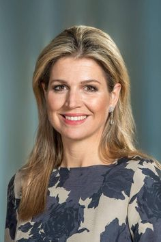 New official portraits of Queen Maxima of The Netherlands. 12 oct Inauguration new website Koninklijk Huis. Crown Princess Victoria, Crown Princess Mary, Nassau, Royal Dutch, Dutch Queen, Princesa Mary, Estilo Real, Queen Maxima, Royal House