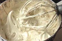 Brown Sugar Buttercream | Little Delights