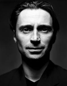 """Robert Carlyle / loved him as Bigbe in """"Trainspotting"""" and in """"Ravenous"""" and in """"Full Monty"""" and the best part of """"once upon a time"""" series.....just a great character maker"""