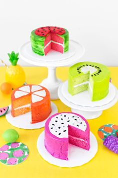 Use store bought frosting and cake mix to give new meaning to the term fruit cake with these DIY fruit slice cakes! Fancy Cakes, Cute Cakes, Pretty Cakes, Mini Cakes, Cupcake Cakes, Dessert Party, Fruit Party, Party Desserts, Desserts Diy
