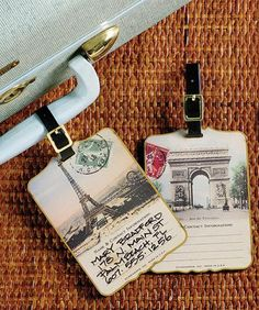 Good favor idea for destination wedding: luggage tags!