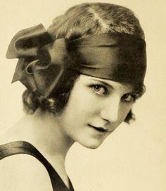 Silent film actress Viola Dana, 1919.