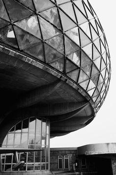 Belgrade: Museum of Aviation, architect Ivan Štraus, 1989.