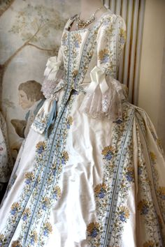 Costume teatrale 1700 by Scatola Magica
