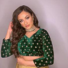 Oriental Style, Oriental Fashion, Velvet Tops, Video, Crop Tops, Instagram, Women, Oriental Taste, Cropped Tops