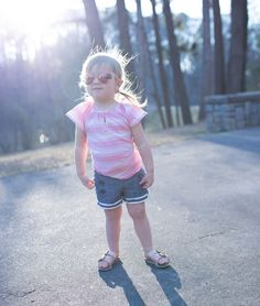 Tips for traveling this spring with young kids and details on ADORABLE outfits from @oshkoshbgosh! #BreakForSpring #OshKoshKi…