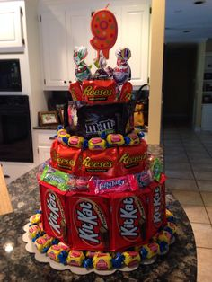 💕🍃S₩€€T¥🍃💖SR💖✍🏻 - Author on ShareChat - 💖💖 Love u my sweet heart 😍💖😘 Candy Birthday Cakes, Candy Cakes, Candy Bouquet Diy, Candy Arrangements, Chocolate Bouquet, Friend Birthday Gifts, Homemade Christmas Gifts, Candy Gifts, Diy Cake