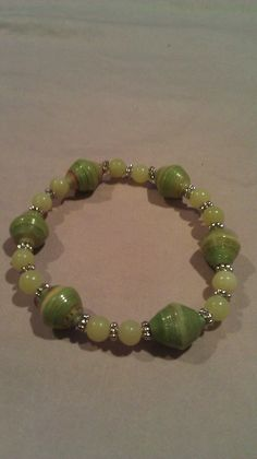 Paper bead bracelet- gorgeous finish on these beads, so shiny!