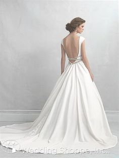 Backless wedding dress - Holy Gorgeous!! Seriously the most stunning ballgown wedding dress!