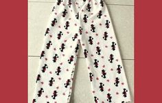 Trendy sewing gifts for boys pajama pants ideas Pajama Pants Pattern, Boys Pajama Pants, Girls Pajamas, Pj Pants, Girls Pants, Sewing Pants, Sewing Clothes, Easy Sewing Projects, Sewing Projects For Beginners