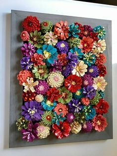 DIY Kissing Ball with Pine Cones - Crafts Unleashed@ handmade and painted pincone flowers on reused barn wood! These pi… - wood DIY ideasBeautiful handmade and painted pincone flowers on reused barn wood! Nature Crafts, Home Crafts, Diy And Crafts, Crafts For Kids, Arts And Crafts, Kids Diy, Felt Crafts, Paper Crafts, Pine Cone Art