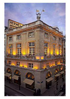 Hermès 24 Faubourg Saint-Honoré store, Paris.  Photo: Studio des Fleurs