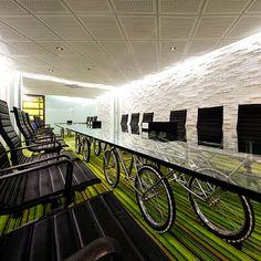 meeting room tablehttp://supermachine.wordpress.com/2011/12/18/saatchi-saatchi-thailand/ sustainable